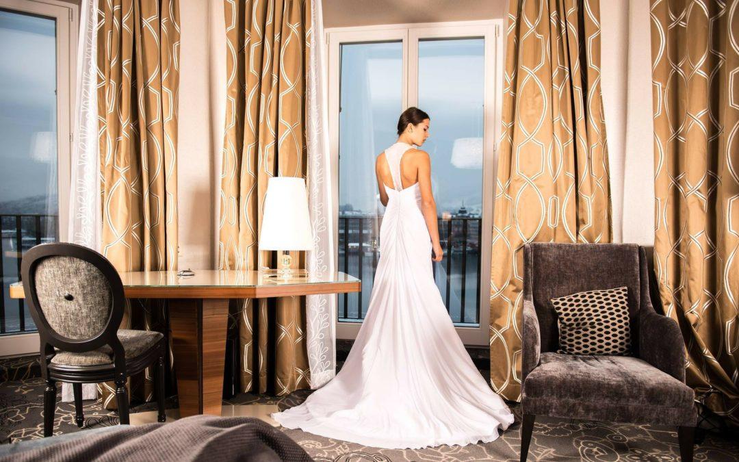 Suknie ślubne z odkrytymi plecami
